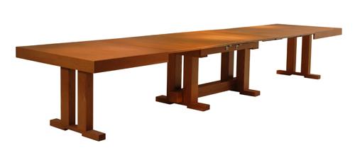 שולחן-נפתח-ל-30-סועדים-של-חברת-דגם