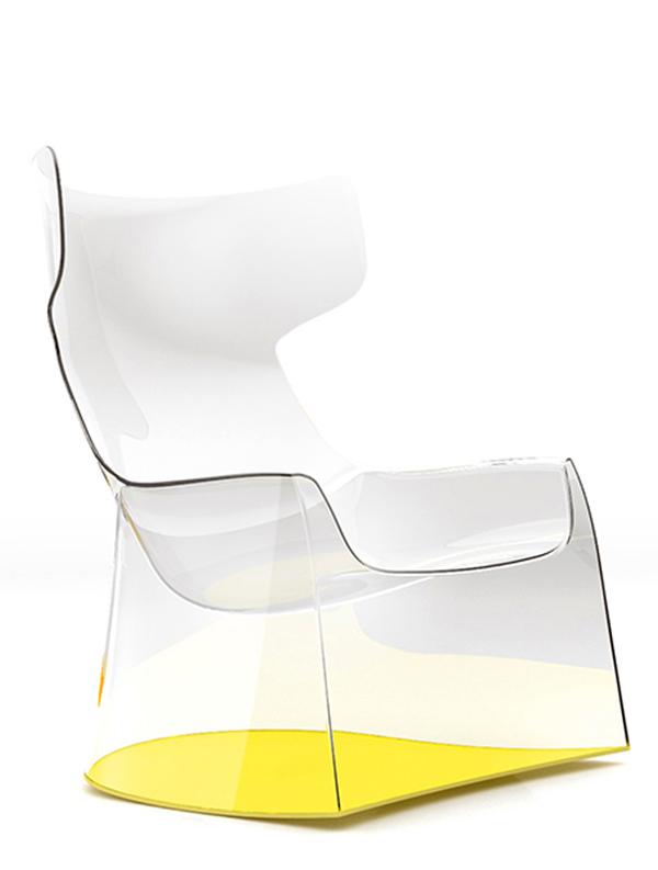כורסאות פלסטיק שקופות בעיצוב של פיליפ סטארק של המותג TOG ברשת IDdesign צילום Nicole Marnat. (2)